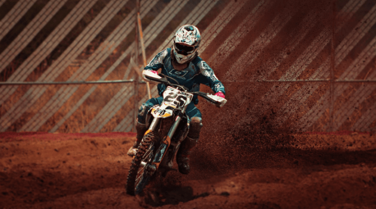 What To Wear For Dirt Bike Riding – Buying Guide