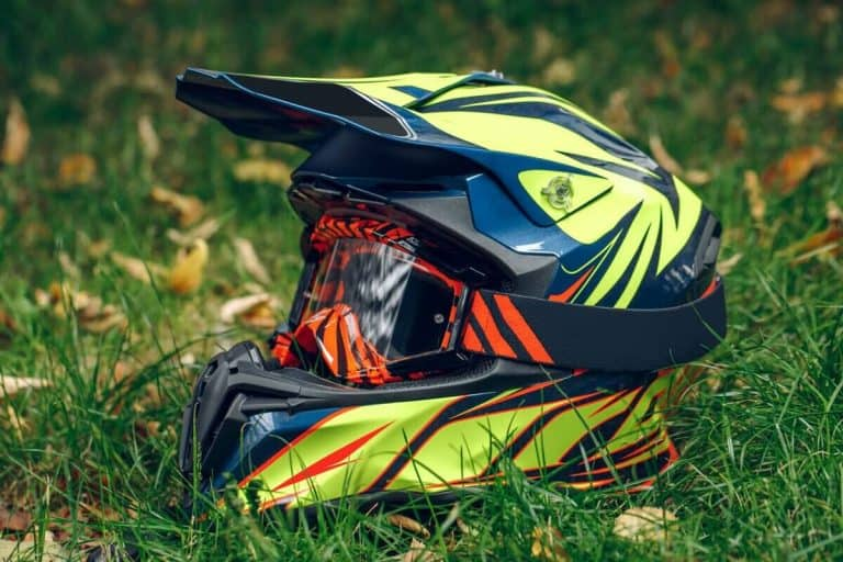 10 Best ATV Helmets [Reviews & Buying Tips]