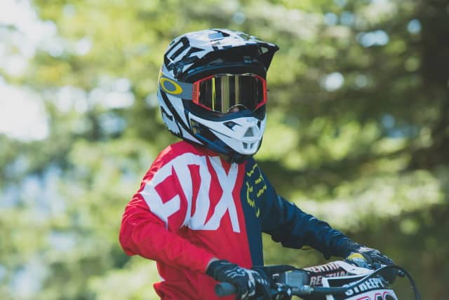 10 Best Dirt Bike Helmet for Kids [Reviews & Buying Tips]